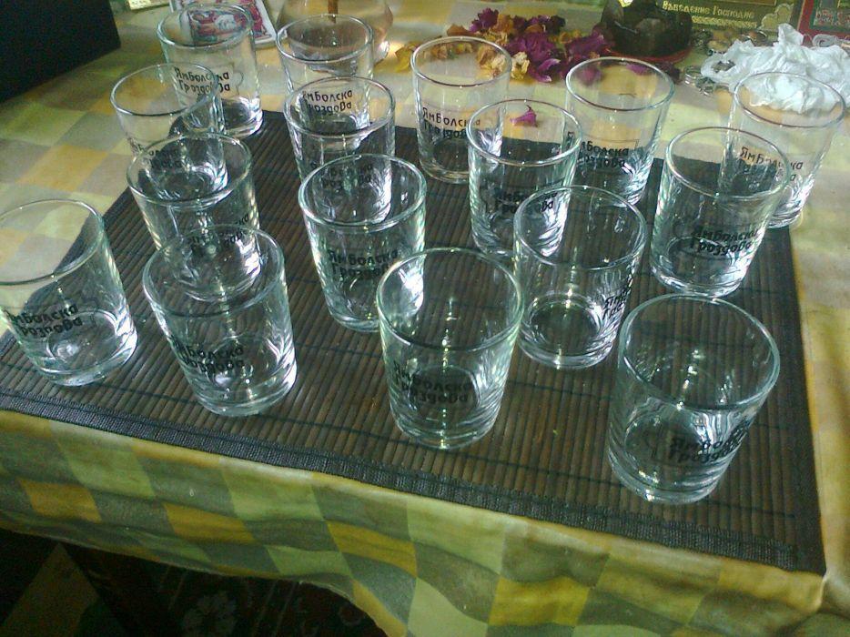 16 бр. стъклени чаши за ракия, водка, уиски, вино -в отлично състояние