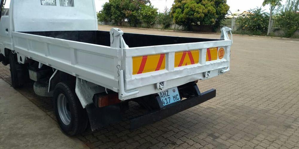 Toyota Dyna manual, motor 14B recém importado em excelente estado Bairro Central - imagem 2