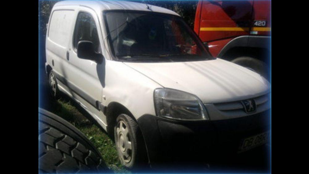 Dezmembrez Peugeot Partner / Citroen Berlingo din 1998-2007