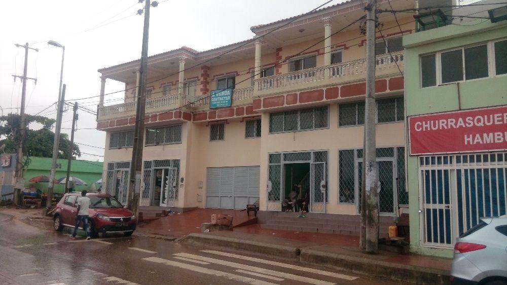 2 Lojas e 2 apartamentos a venda - Avenida do Patriota