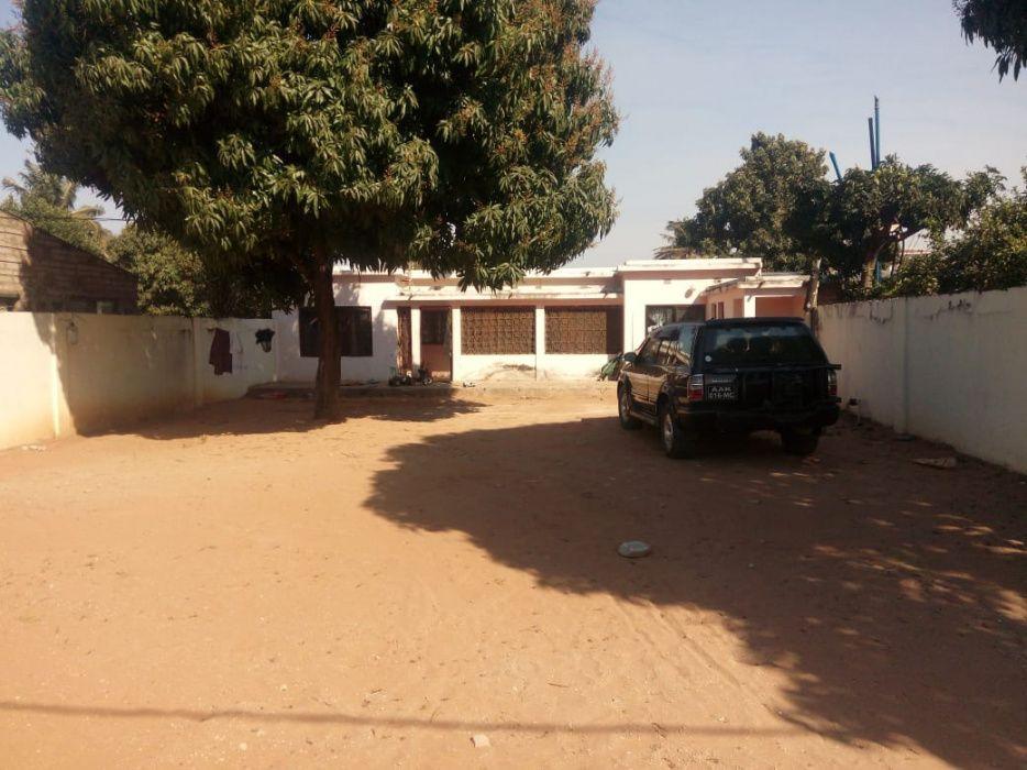 Vendo vivenda T2 placa com tudo dentro em Laulane Boa casa.