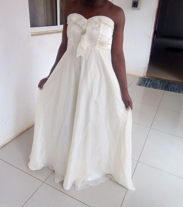 Vestido para cerimónia de casamento registo