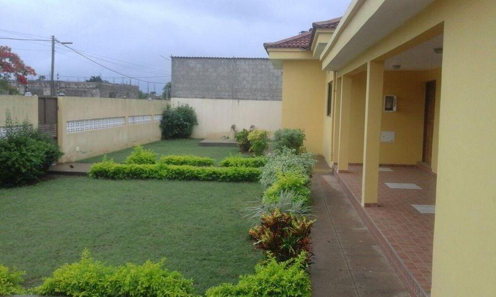 Vende-se moradia tp3 luxousa na matola tchumene (1) c/piscina Cidade de Matola - imagem 8