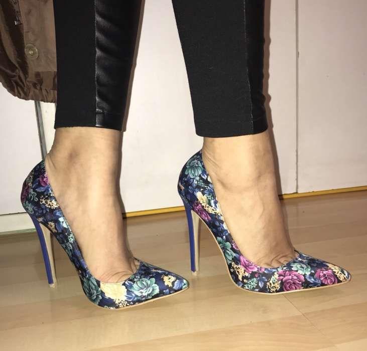 Pantofi stileto cu flori
