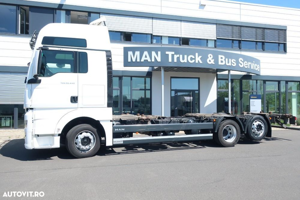 MAN MAN TGX 26.440 6x2-2 LL Autosasiu transport containere BDF. Ampatament 4800 mm!