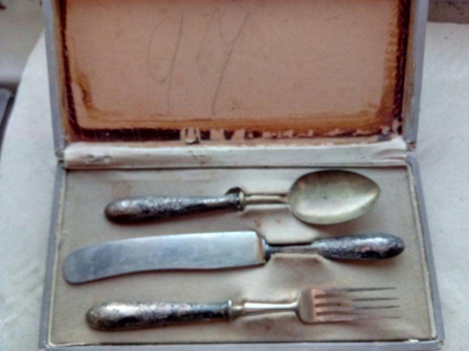 Tacâmuri argintate vechi pentru botez