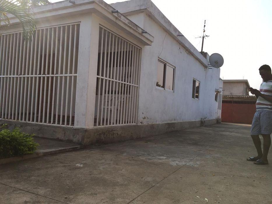 Vendê-se moradia tp3 swete interessante na matola tsalala negociaveis Cidade de Matola - imagem 1