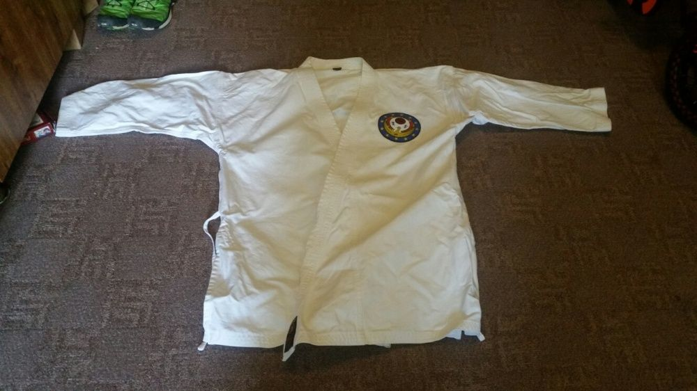 Costum kimono arte martiale