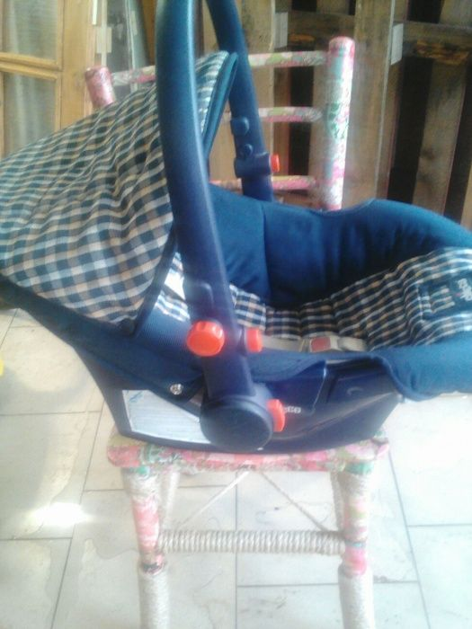 Детско столче - кошче за кола CHICCO