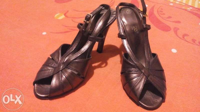намалени ефектни сандали
