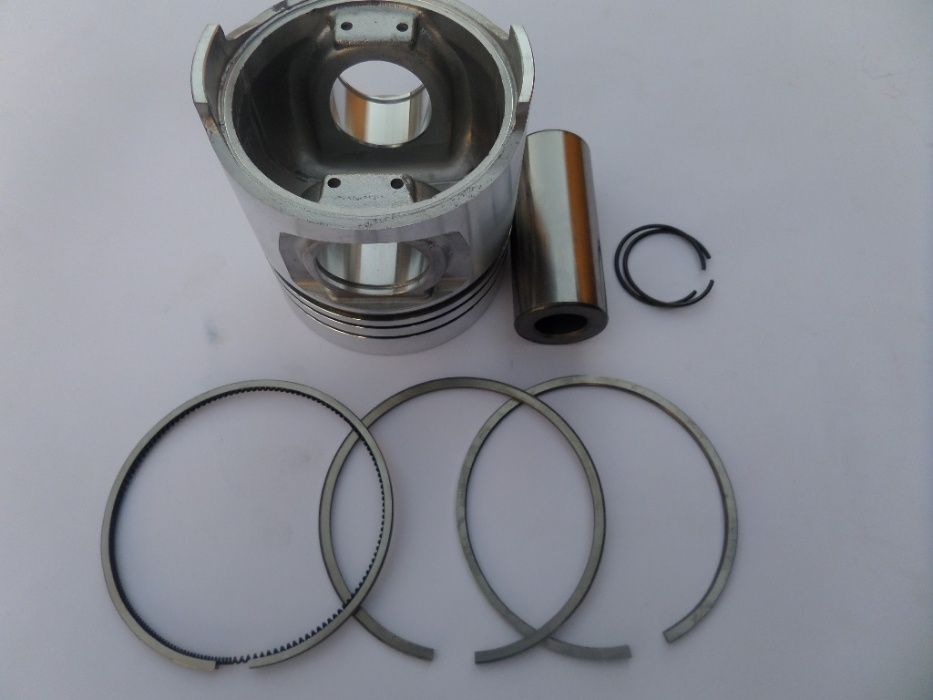 Tractor Fiat piston complet diametru 104.00 mm