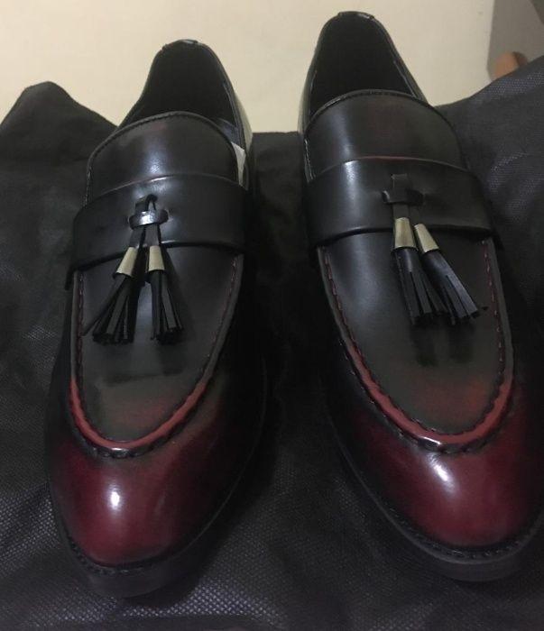 sapatos em couro