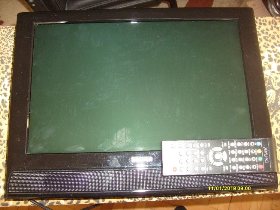 "Продавам tv lcd 15 "" Denver И venturer monitor"