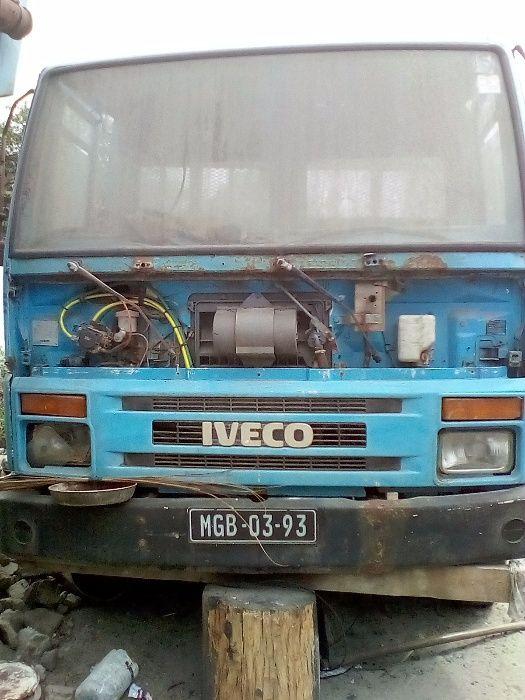 VENDE-SE: Camião da marca Iveco