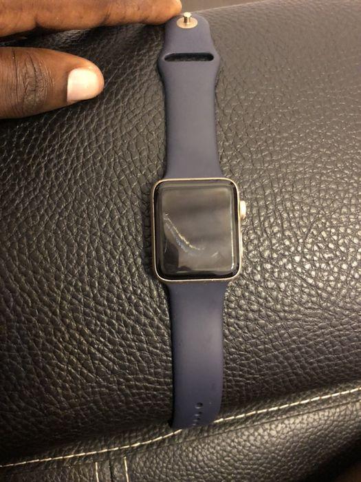 Vendo urgente Apple Watch série 2 usado Maianga - imagem 1