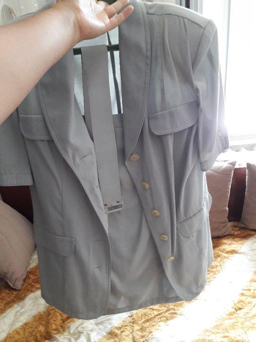 Дамски костюм в сиво 46 размер