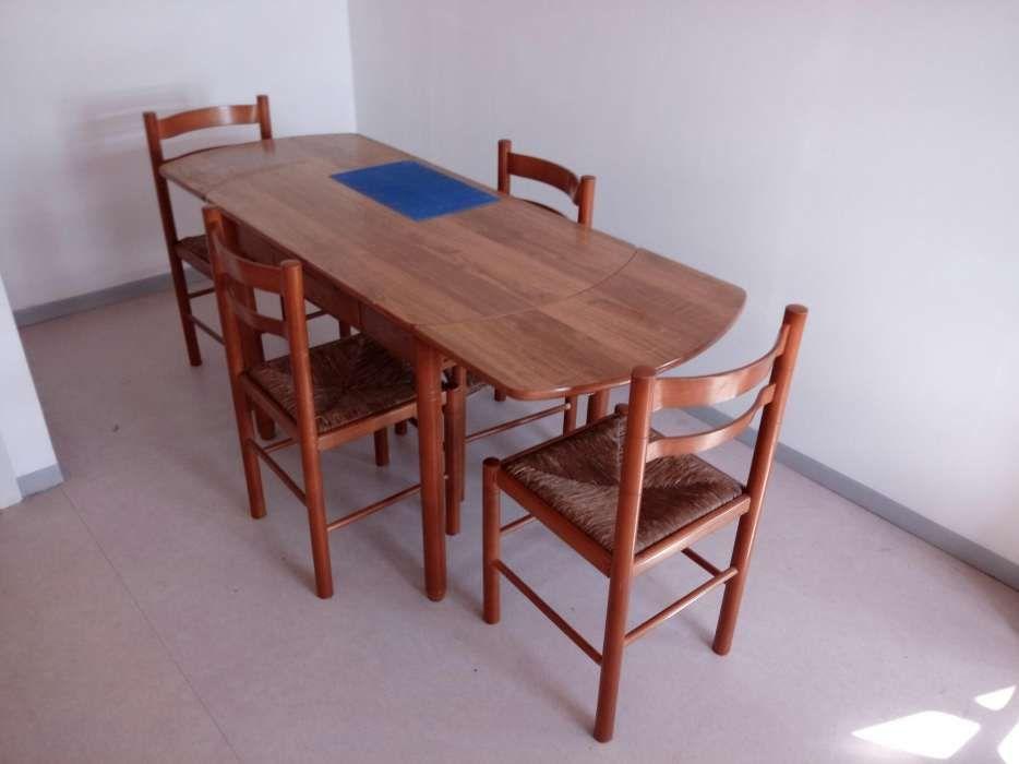 Vendo ou troco Mesa de jantar com 4 cadeiras
