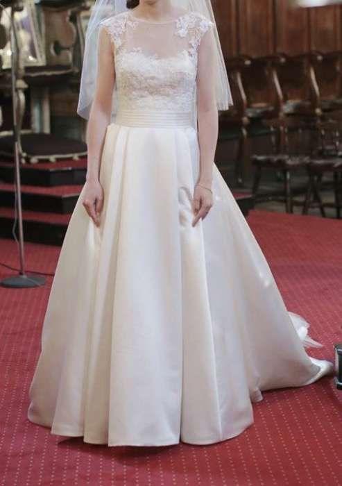 Vand rochie de mireasa La Sposa