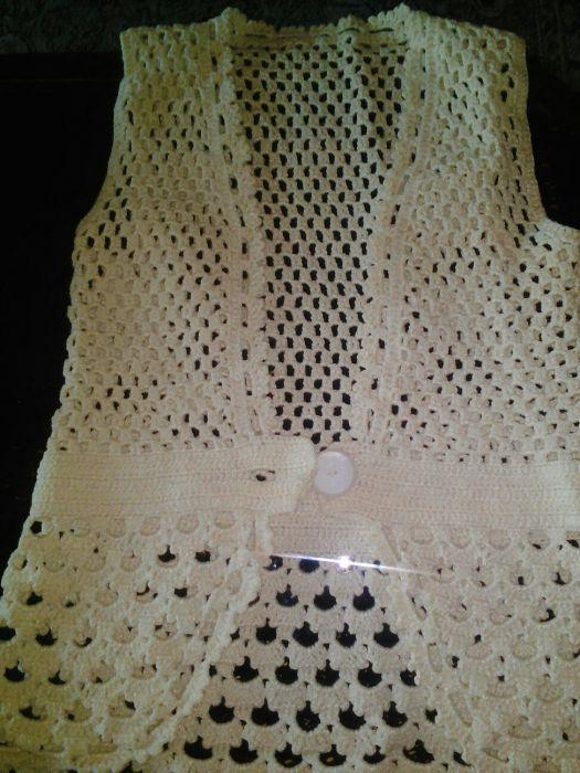 Ръчно плетен дамски елек