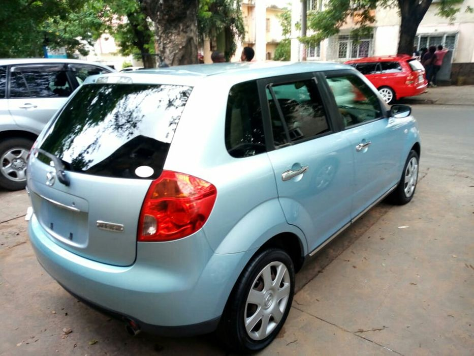 Mazda Verisa recém importado impecável