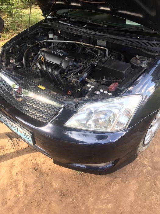 Toyota RUNX em óptimas condições