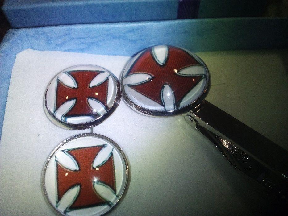 butoni Audi, Wolkswagen, Toyota,Nissan, Tesla, Crucea Maltesa