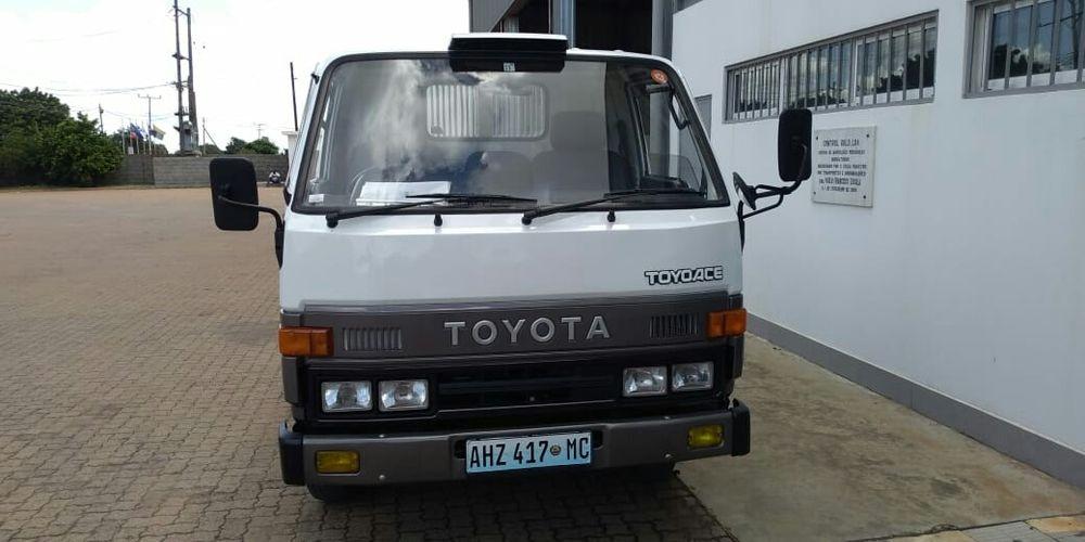 Toyota Dyna manual, motor 14B recém importado em excelente estado Bairro Central - imagem 4