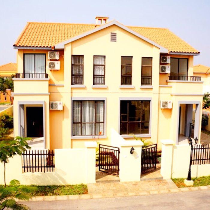 Vendemos Vivenda T4 Condomínio Austin Residencial Camama