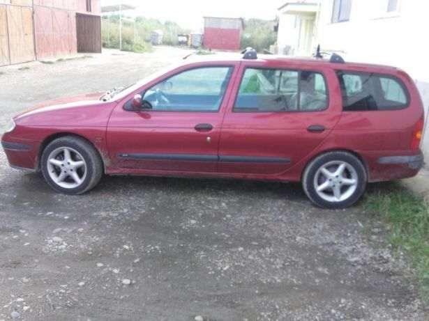 Dezmembrez Renault Megane 1.6 benzina stare impecabila