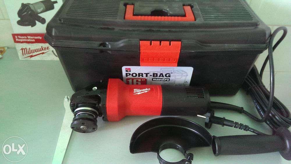 MILWAUKEE Pachet Polizor Unghiular AG750-125 + 9 Accesorii NOU!!!