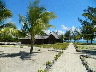 Vendemos Ilha Tambuzi(Mocimbua da praia em Cabo Delgado)