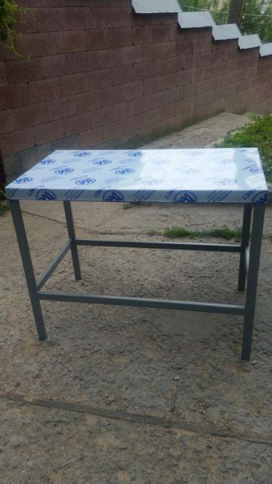 распродажа производственных столов из нержавейки 90х60 для кафе
