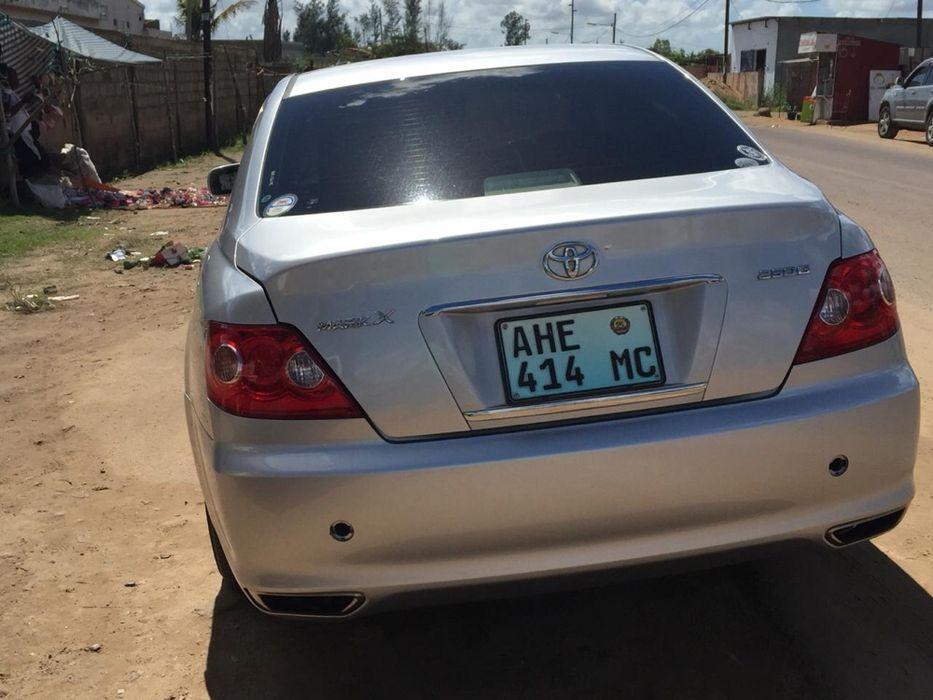 Vendo Toyota Mark X Cidade de Matola - imagem 7