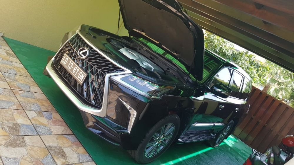 Lexus LX570 Sport