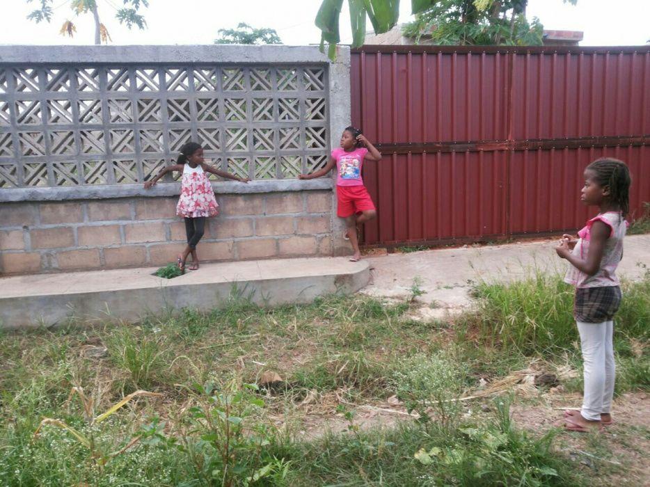 Vendo uma casa inacabada e uma dependência tipo 1 suite na de ISTEG Machava - imagem 4