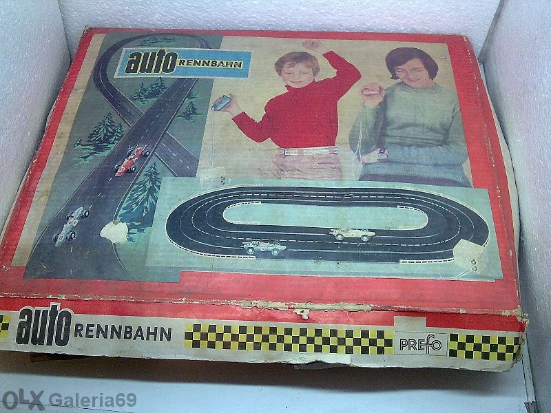 """Стар аутобан """"Prefo"""" ГДР от 1980 г.+ допълнителни колички и др.части"""