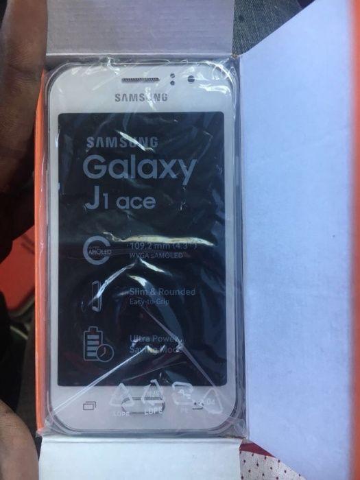 Samsung j1 ace na caixa selado
