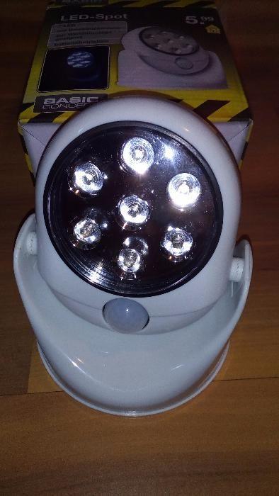 LED лампи с датчик за движение на батерии.