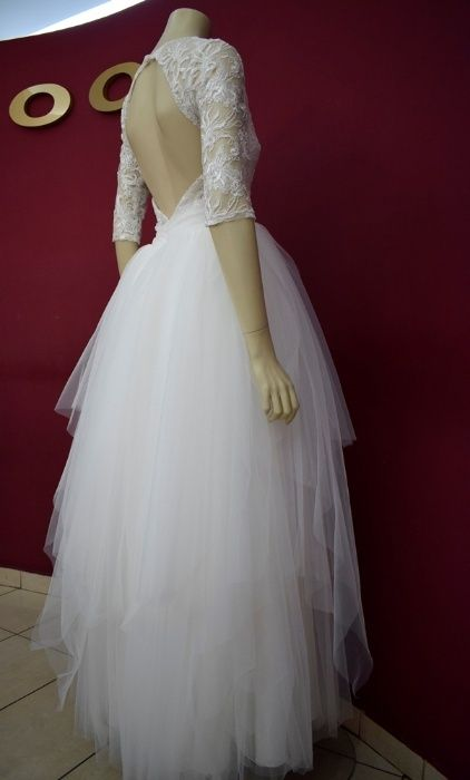 Vand rochie de mireasa A line cu spatele gol - soft tulle si dantela