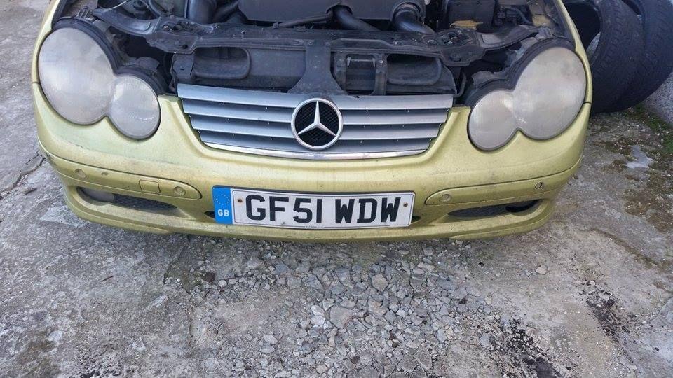 Mercedes w203 c220 cdi за части без двигател