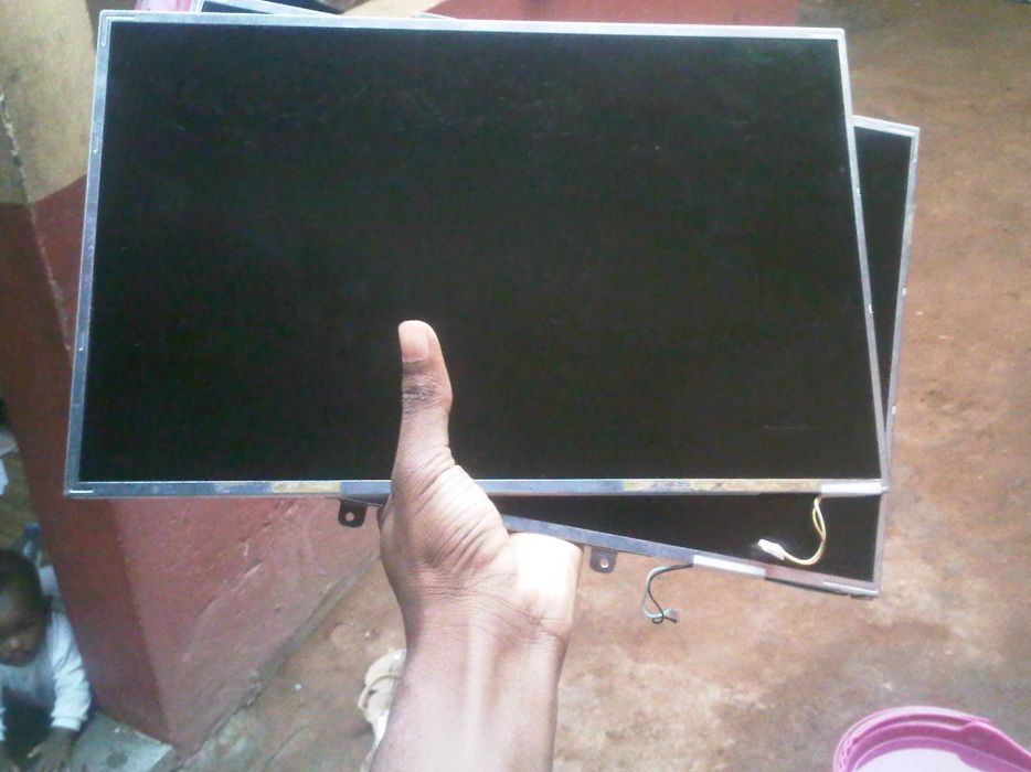 Vendo Lcd 15.4 inch para laptop