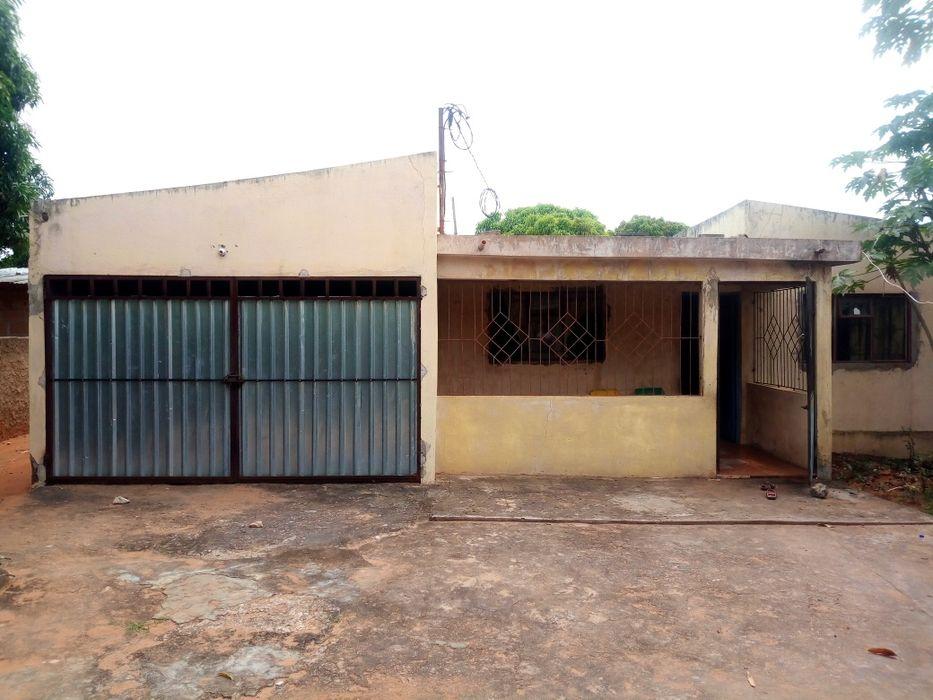 Vende-se casa t2 no Albasine com tudo dentro A casa contém 1- Sala