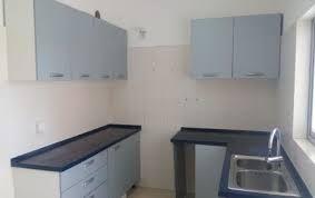 Vende se este apartamento T3 no kilamba no bloco B