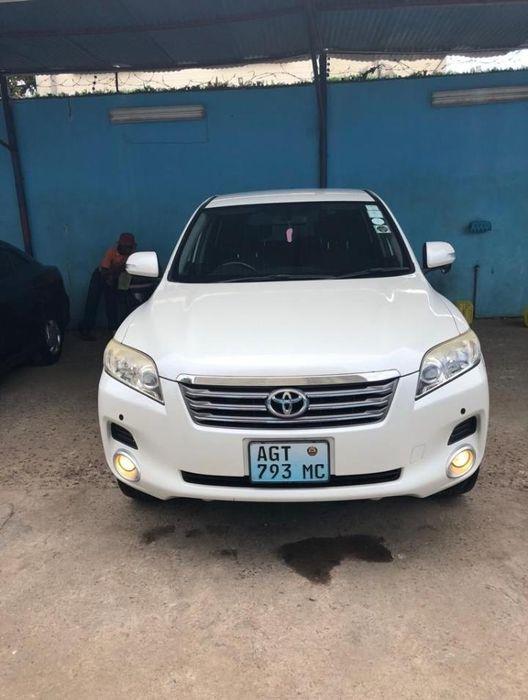 Toyota Vanguard branco a venda