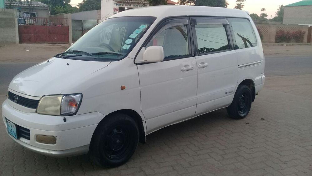 Vendo Toyota Noah antigo