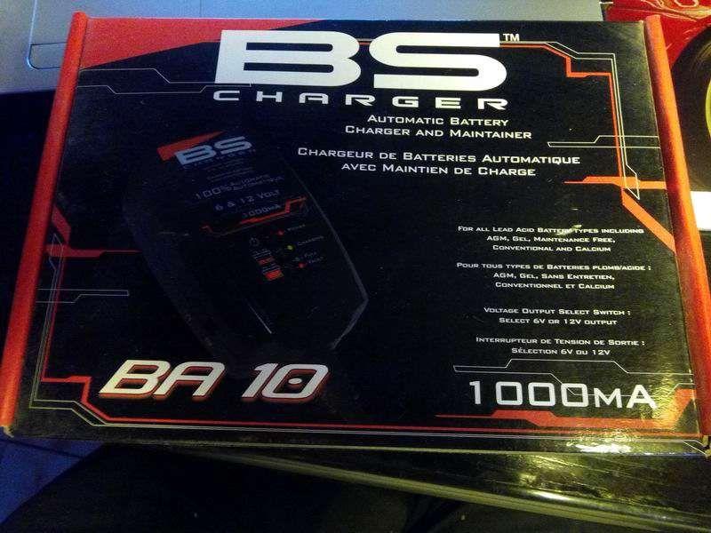 Redresor incarcator acumulatori BS Charger BA 10