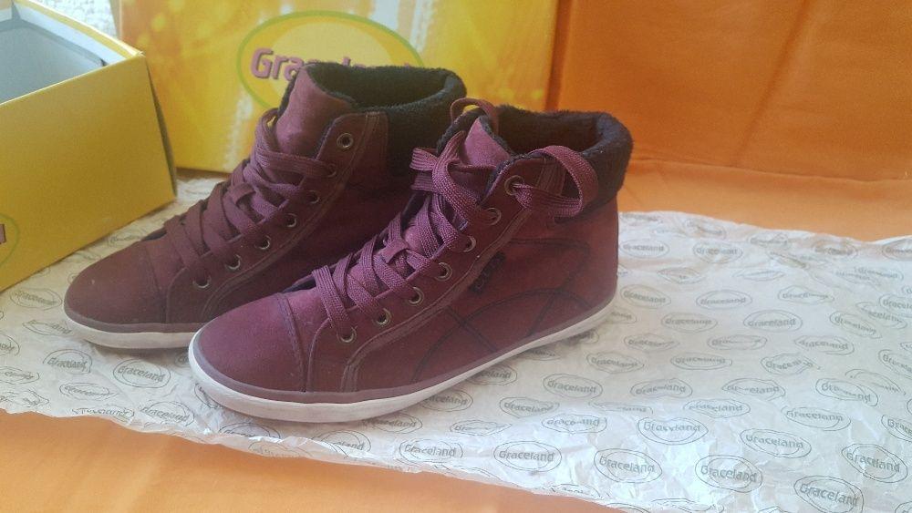 Нови обувки - Deichmann