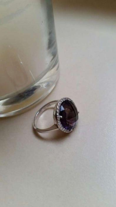 Inel din argint cu piatra mov și cristale