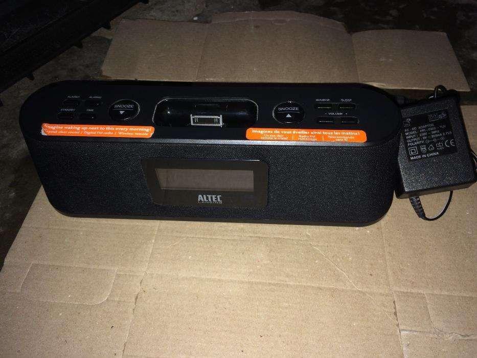 Ceas cu Radio/Ipod/Aux Altec Lansing M302