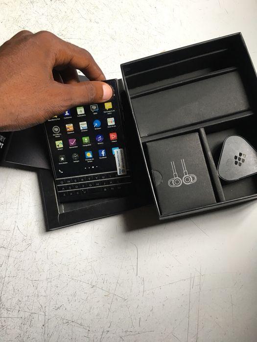 BlackBerry passport 32GB novo na caixa com acessórios despacho